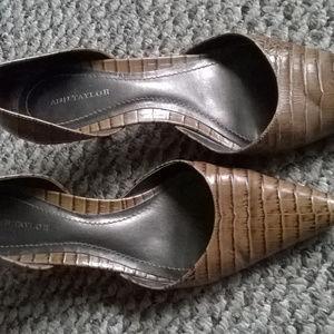 ANN TAYLOR Size 7 Croc Print Leather Pumps